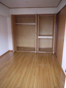 洋室②クローゼット-上池台マンション403-